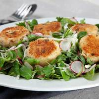 Bistro Salad with Warm Crab Cakes