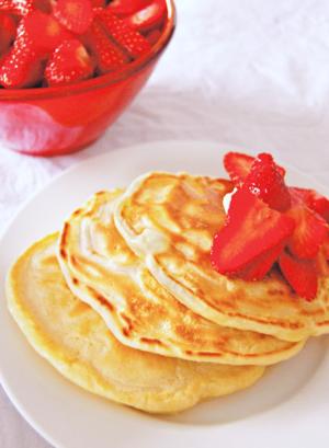 4-Ingredient Paleo Pancakes