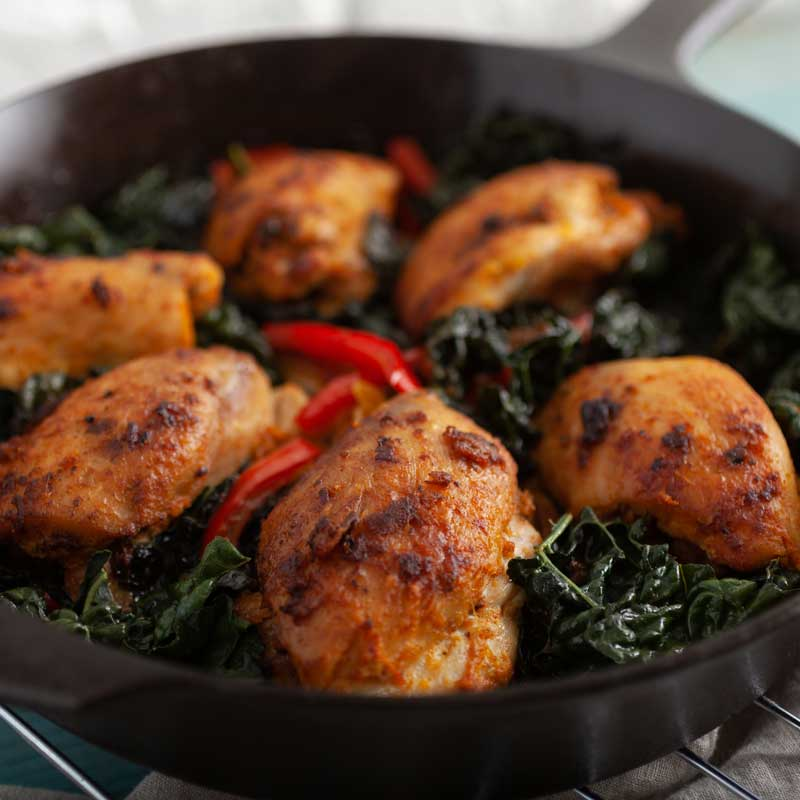 Smoky Turmeric Chicken with Kale & Red Bell Pepper