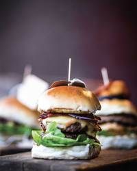 Sliders with Smoky Barbecue Sauce